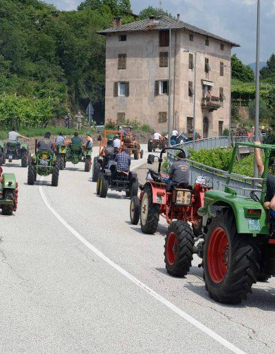In marcia ridotta - sfilata dei trattori d'epoca - 29 edizione Rassegna